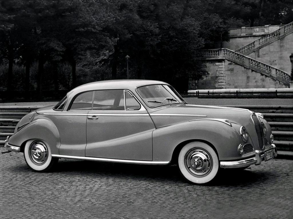 BMW 501 ET 502 – LA RENAISSANCE BAVAROISE