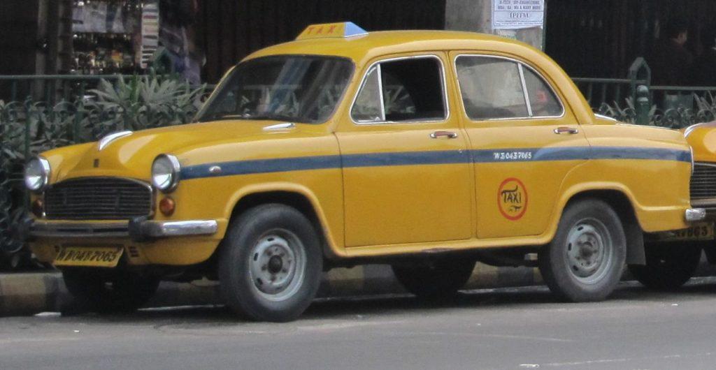 HINDUSTAN AMBASSADOR - Vestige britannique au pays de Gandhi.