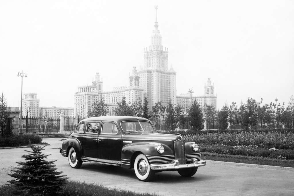 ZIS 110 et ZIL 111- Luxe capitaliste dans la patrie du communisme.